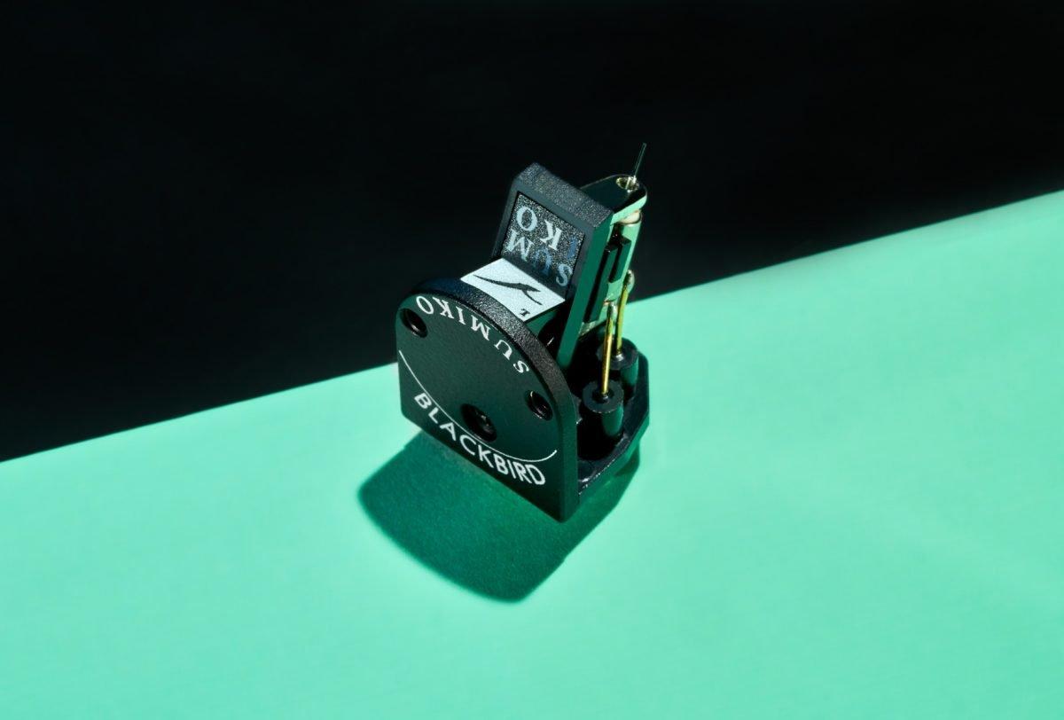 Sumiko Blackbird Low-Output MC Cartridge on Display